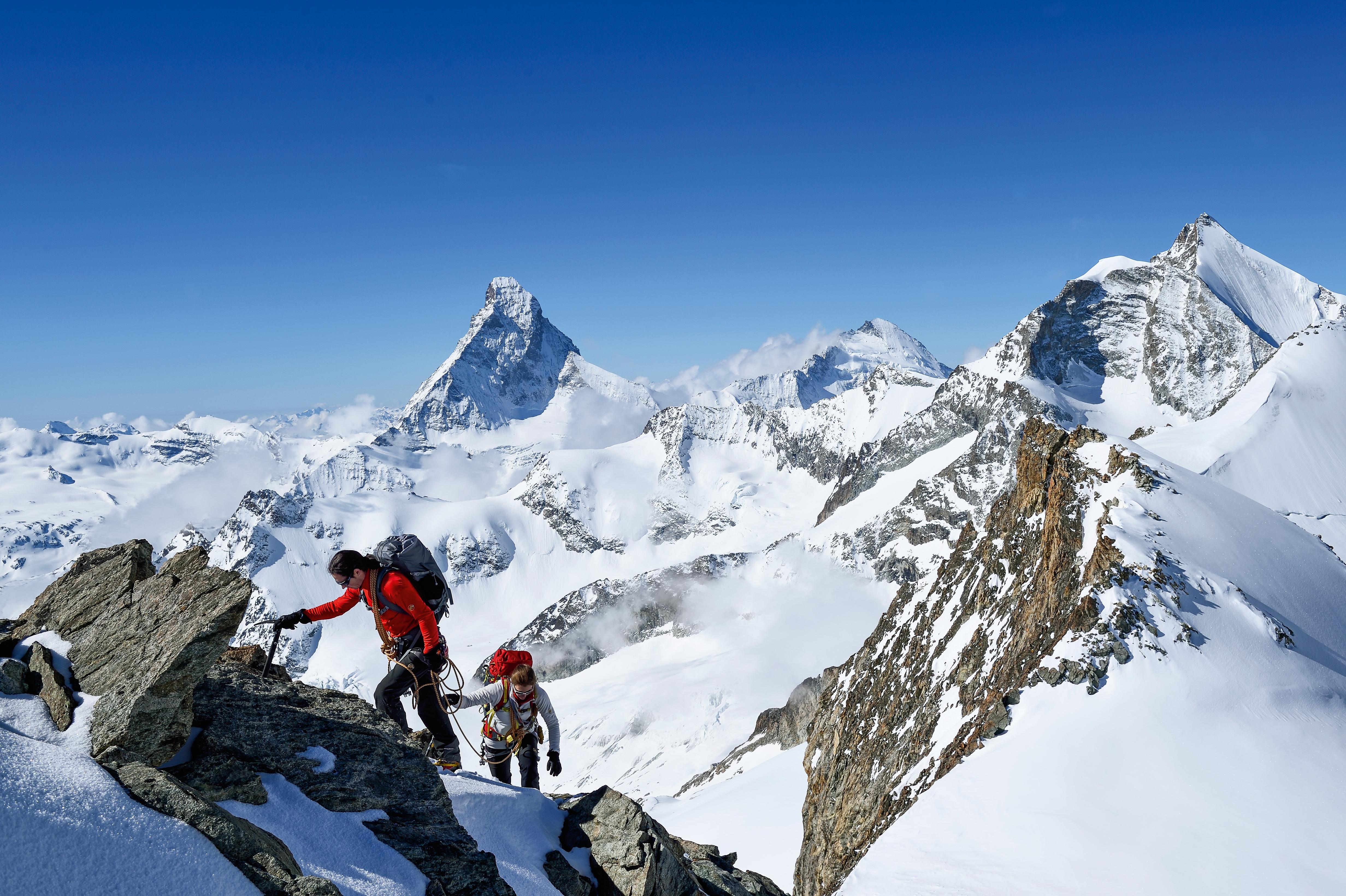 Kletterausrüstung Zermatt : Knacke mit mammut die 4000 meter pr schweiz